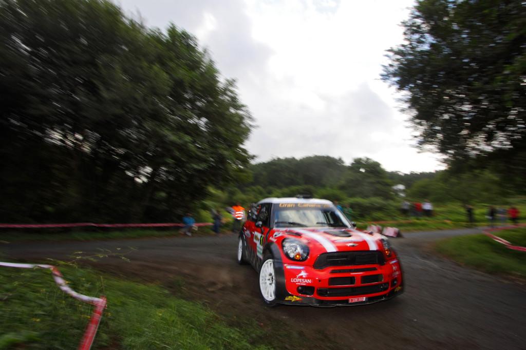 Luis Monzón en su Mini WRC. Foto de José M. Álvarez / www.rallycolors.com