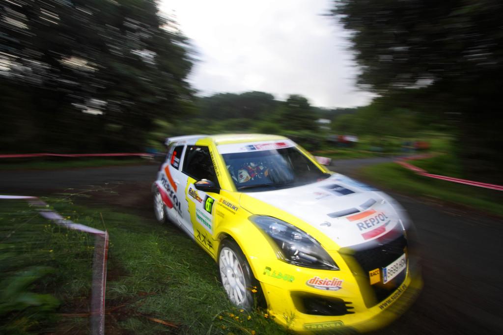 Gorka Antxustegi con su Suzuki Swift S1600. Foto de José M. Álvarez / www.rallycolors.com